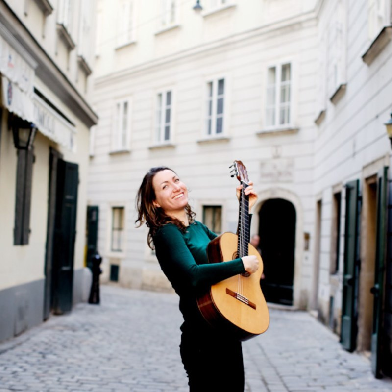 Linda Eberlein, guitarist